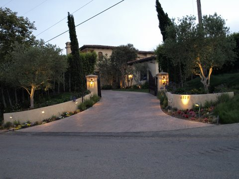 Agoura Hills Outdoor Lighting
